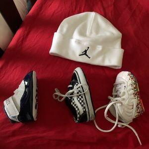 Other - Newborn blue/white retro Jordan size 1 with hat